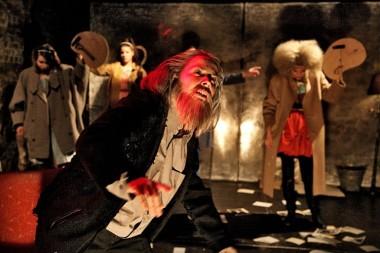 Divadlo Husa na provázku - Tichý Tarzan (zcizené deníky fantoma erotické fotografie)