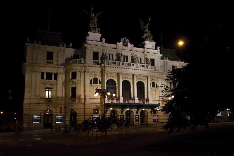 Divadlo na Vinohradech - Rod Glembayů
