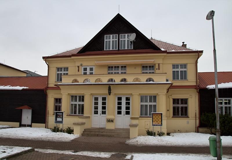 Divadlo Drak - ZEĎ aneb jak jsem vyrůstal za železnou oponou