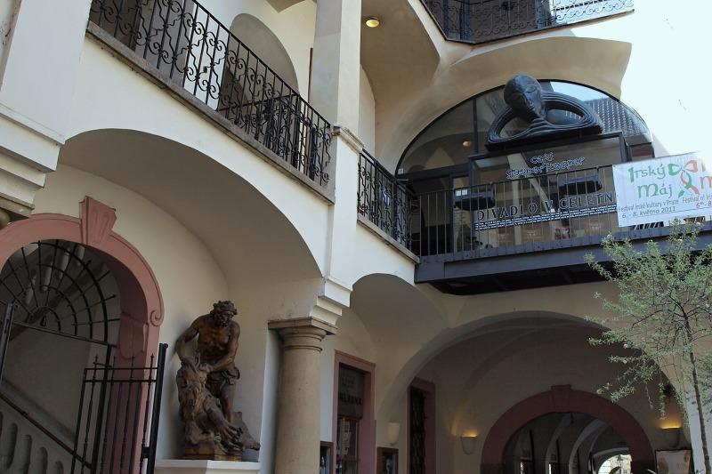 Divadlo v Celetné - Jonáš a tingl tangl