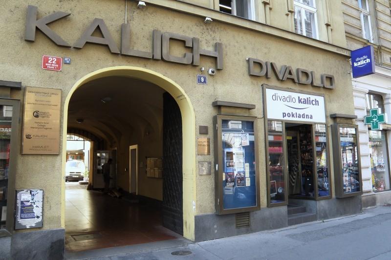 Divadlo Kalich - Sbohem, zůstávám!