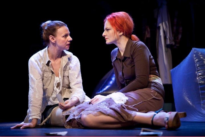 Divadlo Na Fidlovačce - Třetí prst na levé ruce