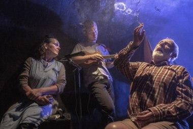 A studio Rubín - Perníková chaloupka (čekání na lopatu)