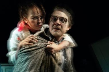 Divadlo Ungelt - Slepice na zádech