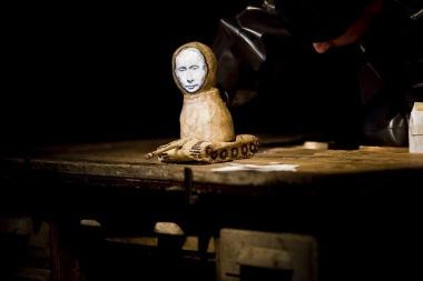 Divadlo Líšeň - Putin lyžuje