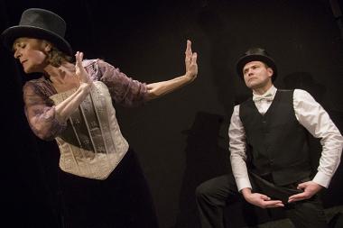Divadlo Viola - Když teče do bot