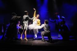 Freddie Mercury tančí s osudem a zpívá naživo - v Plzni
