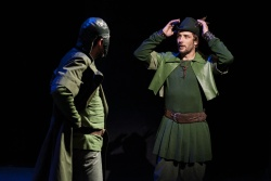 Robin Hood jako nesmyslný happening vbalkánských rytmech