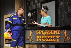 Splašené nůžky v Městském divadle Brno
