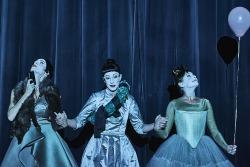 Tři sestry jako hon za iluzivně lepší budoucností