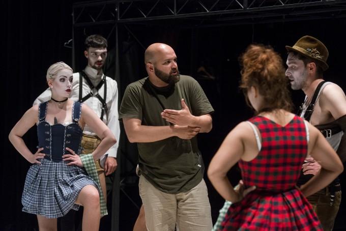 ze zkoušky Cabaretu (foto: archiv Divadla Bez zábradlí)