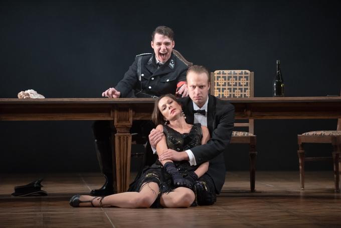 Divadlo J. K. Tyla - Soumrak bohů (foto: Irena Šterbová)