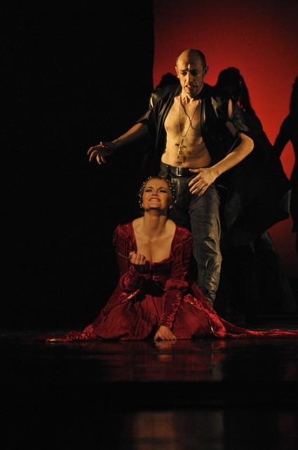 foto z inscenace Lucrezia Borgia: Roman Sejkot