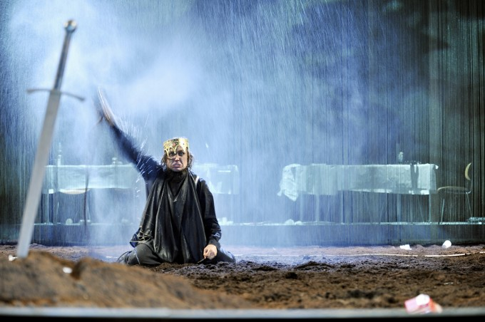 Schaubühne Theater Berlin - Hamlet (foto: Arno Declair)