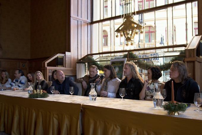 na tiskovém setkání v restauraci Art Nouveau (foto: Michal Novák)