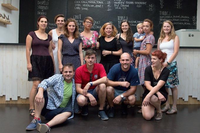 tým Divadla D21 na prahu nové sezony (foto: Michal Novák)