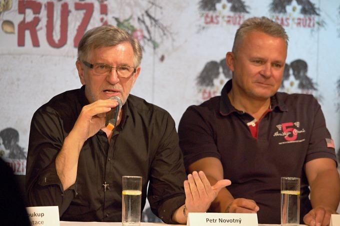 režisér Petr Novotný a ředitel HDK Egon Kulhánek (foto: Michal Novák)
