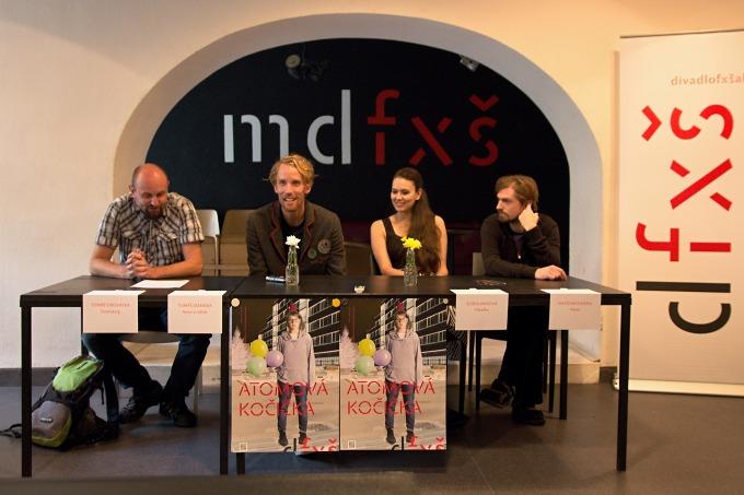 na tiskovém setkání v Malém divadle (foto: Michal Novák)