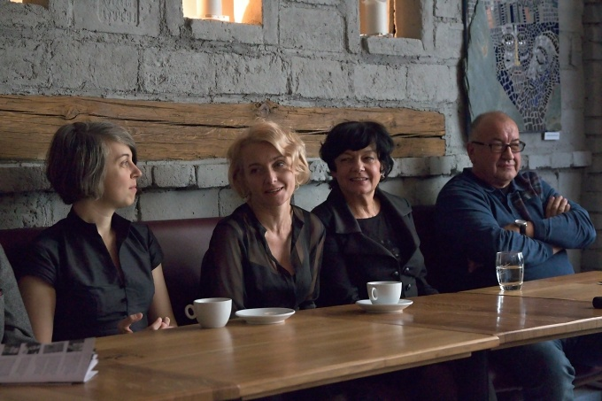 Ivana Uhlířová, Veronika Žilková, Lenka Skopalová, Vladimír Procházka (foto: Michal Novák)