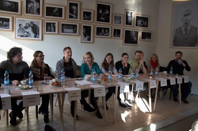 na tiskovém setkání v kavárně Divadla pod Palmovkou (foto: Michal Novák)