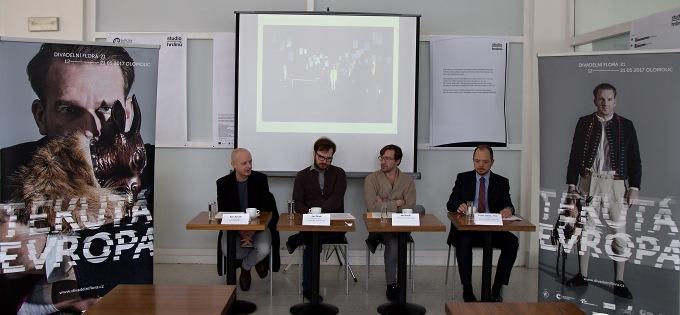 na tiskovém setkání ve foyer Studia Hrdinů (foto: Michal Novák)