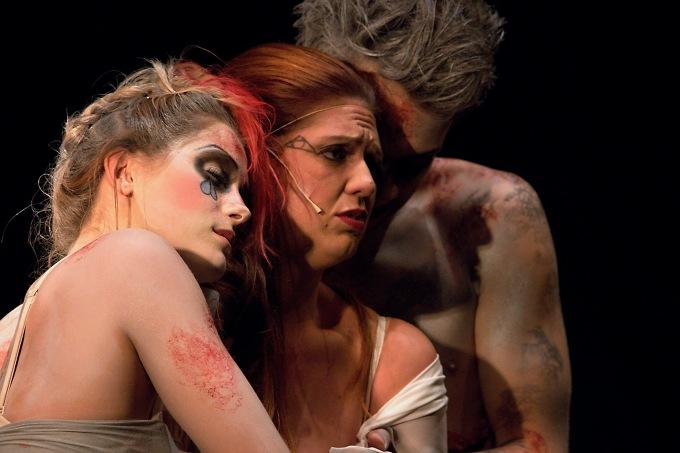 Marie Křížová a Kateřina Šildová jako Agnes