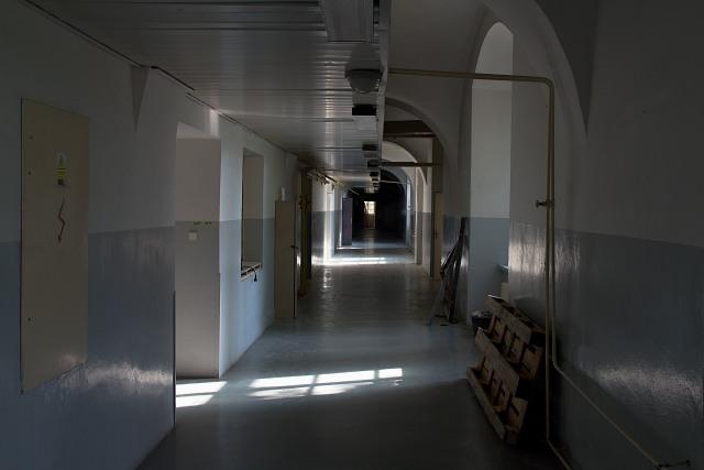 nepříliš vlídné interiéry bývalých kasáren
