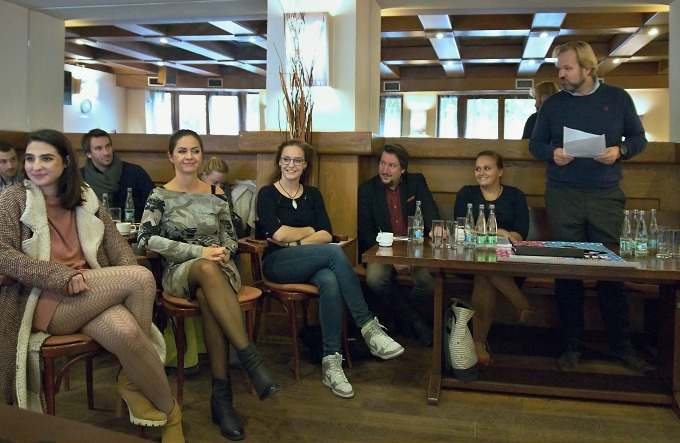 na tiskovém setkání v klubu MdB