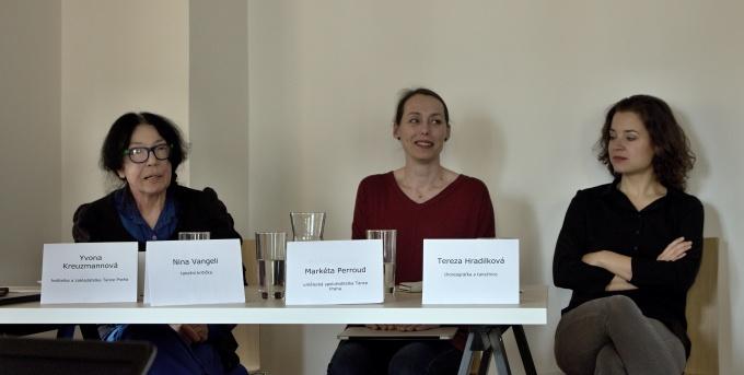 Nina Vangeli, Markéta Perroud, Tereza Hradilková na tiskovém setkání