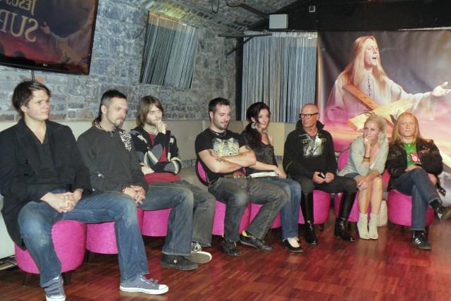 Ondřej Brzobohatý, Viktor Dyk, Michal Skořepa, Václav Noid Bárta, Dasha, Jiří Korn, Bára Basiková, Kamil Střihavka