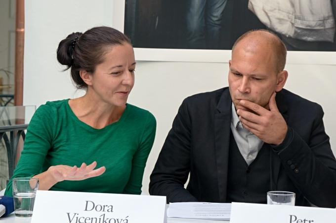 vůdčí tandem úspěšného divadla, Dora Viceníková a Petr Štědroň