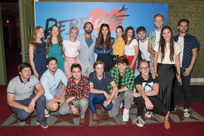 muzikál Rebelové samozřejmě sází na mládí, Jan Révai se posouvá z filmové role Šimona do divadelní role tatínka Terezy