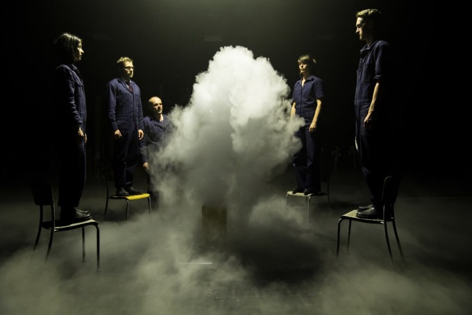Bernetta Theaterproduktionen - Girl from the Fog Machine Factory (foto: Sandra Then)